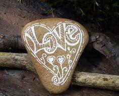 """Valentinstagsgeschenke - Bemalter Stein """"LOVE """" nach Zentangle® -Art  - ein Designerstück von PetiteMaman-Atelier bei DaWanda"""