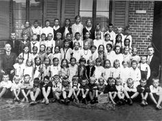 Schulfoto aus Büssow 1931, zur Verfügung gestellt von Marlén Voß, Wolgast,