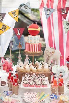 Sweet bar animalier et coloré pour un mariage sur le thème du cirque