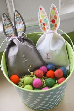 """I saw this pin pop up all over the place yesterday, which led me to Mer Mag's """"Easy Bunny Candy Pouch"""" – and before I knew it I had some felt bunny pouches of my own. It was…"""