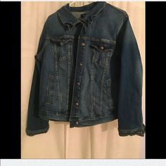 Torrid Denim Jacket Never worn denim jacket with two front breast pockets and silver buttons. Comfy and good fit! torrid Jackets & Coats Jean Jackets