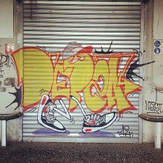 Debza Graffiti Drawing, Street Art Graffiti, Hip Hop, Disney Characters, Fictional Characters, Wall Art, Book, Drawings, Simple