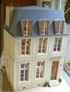 French dollhouse by Pipi's miniatures
