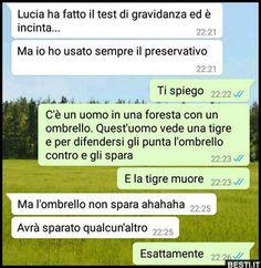 Funny Video Memes, Funny Jokes, Funny Chat, Italian Memes, Clash Royale, Me Too Meme, Funny Pins, Cringe, Vignettes