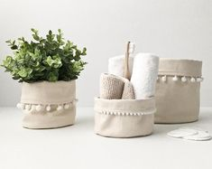 FUROSHIKI linen and coton / scandinavian minimalist christmas / zero waste packaging / la petite boite / handmade in Quebec Home Crafts, Diy And Crafts, Toilet Accessories, Plant Basket, Minimalist Christmas, Diy Couture, Pots, Storage Baskets, Create Yourself