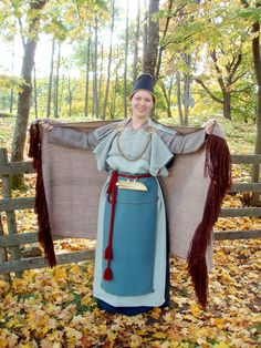 Kaarina dress reconstruction