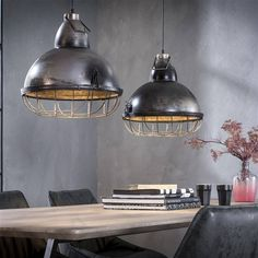 Discovering living room flooring lamp Strategies is a snap when you understand how! Industrial Ceiling Lights, Concrete Lamp, Industrial Interiors, Led Lampe, Ceiling Lamp, Ceiling Lighting, Light Decorations, Modern Interior, Lamp Light