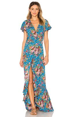 Summer Wedding Guest Dresses. What to wear to a summer wedding! Dresses for wedding guests going to summer weddings! Cocktail dresses and maxi dresses for summer,