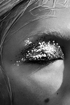 Woman / Glitter / Black and White Photography