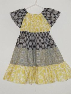 The Chronicles of Mercy's Mom: Tiered Peasant Dress Tutorial Size Girl Dress Patterns, Clothing Patterns, Peasant Dress Patterns, Peasant Dresses, Sewing For Kids, Baby Sewing, Sew Baby, Sewing Clothes, Diy Clothes