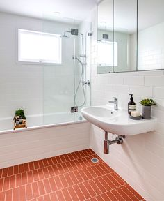 Home Decor Bathroom CO-AP Renovated and Extended a Typical Suburban Home in Sydney - InteriorZine Budget Bathroom Remodel, Bathroom Renovations, Home Remodeling, Architecture Renovation, Home Renovation, Bad Inspiration, Bathroom Inspiration, Modern Bathroom Design, Bathroom Interior