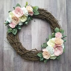 Happy Thursday friends! It is rainy and dreary here in Michigan today so this picture is a bit dark but I'll work with it. I finished this wreath today... And it is going to be part of a giveaway with a few other fabulous makers! Stay tuned for more info on that!
