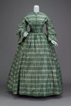 Dress in two parts   American, mid-19th century    Silk taffeta, cotton twill lining, plush velvet buttons, silk ribbon trim, whalbone