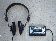 How to Hack an Old Cassette Tape into a Retro-Style MP3 Player « Hacks, Mods & Circuitry