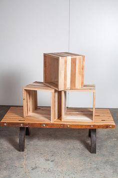reclaimed wood storage cube por PecanWorkshop en Etsy, $75,00.  Adorables y versátiles cubos demadera hechos s mano...
