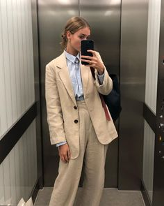 Top fashion trends for teens and young women in 2019 Fashion Mode, Look Fashion, Fashion Outfits, Womens Fashion, Fashion Trends, Fashion Belts, Mode Ootd, Look Formal, Mode Chic