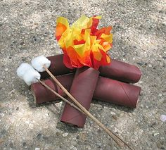 Made out of TP rolls, tissue paper, and cotton balls. Campfire and marshmallows! Great DIY for a kid's camping party. Camping Theme, Camping Crafts, Rv Camping, Camping Ideas, Glamping, Camp Scout, Campfire Marshmallows, Campfire Cake, Theme Nature