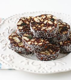 Salam de biscuiți - rețetă de post delicioasă   Laura Laurențiu Nutella, Fries, Vegan Recipes, Muffin, Food And Drink, Vegetarian, Cookies, Chocolate, Baking