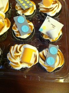 Pharmacy cupcakes! Must make these!