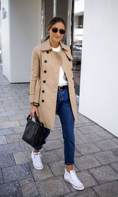 Visit the post for more. Vest Outfits, Basic Outfits, Casual Outfits, Fall Winter Outfits, Autumn Winter Fashion, Fashion Days, Fashion Outfits, Beige Trenchcoat, Bon Look