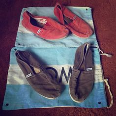 ☯2 toms shoes set☯ Worn but good condition. No trades, pp!!! Everything in my closet must go moving soon! TOMS Shoes