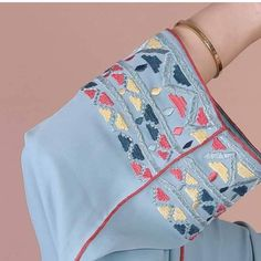 Geometric Embroidery, Embroidery Suits, Machine Embroidery, Embroidery Designs, Aloe Vera For Face, Caftans, Kurtis, Traditional Outfits, Pretty Outfits