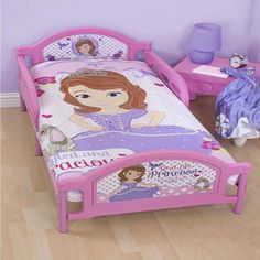 Sofia the First  Toddler Bedding - Amulet -http://www.childrens-rooms.co.uk/sofia-the-first-toddler-bedding-amulet.html #disneyprincess #sofia #toddlerbedding #girlsbedding