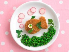 Get the kids involved in some foodie fun with these cute salmon fish cakes. Have your little ones help shape the mixture into fish shapes and serve on a sea of peas!