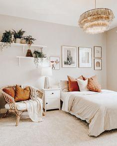 Room Design Bedroom, Room Ideas Bedroom, Home Decor Bedroom, Bedroom Inspo, Bright Bedroom Ideas, Teen Bedroom Inspiration, Cozy Room, Aesthetic Bedroom, House Rooms