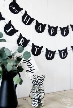 DIY Cat Banner – Cat Birthday Party Decor – Creojam DIY Cat Banner – Cat Birthday Party Decor Modern cat party here we come! DIY Cat Garland for cat . Cat Themed Parties, Twin Birthday Parties, Diy Birthday Banner, Birthday Party Decorations Diy, Diy Banner, Cat Birthday, Birthday Party Themes, Party Crafts, Sleepover Party