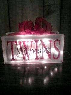 Minnesota Twins block-wouldn't necessarily do Twins, but this is a really cute idea.