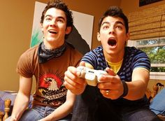 Kevin & Joe Jonas 2006 or 2007