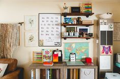 Homeschool Room Ideas-In this lifestyle post learn How to Create Learning Spaces and a lovely home that is teaching even when you are busy doing other tasks! Home Learning, Learning Spaces, Minimalist Homeschool, Kids Study, Desk Areas, School Decorations, Wall Organization, Kid Spaces, Classroom Decor