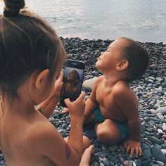What You Need To Know About Weight Control For Children? So Cute Baby, Baby Kind, Cute Kids, Cute Babies, Cute Family, Baby Family, Family Goals, Family Life, Little Babies