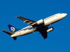 Air New Zealand 737    Type: Boeing 737-3U3  Registration: ZK-NGE  Location: Christchurch International Airport  Date: 15/11/2011