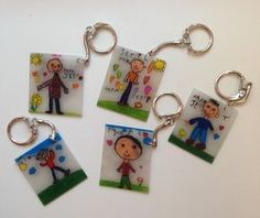 Father's Day Shrinkey dink plus key rings from dollar tree Fathers Day Art, Fathers Day Crafts, Mother And Father, Mother Day Gifts, Diy For Kids, Crafts For Kids, Cadeau Parents, Mother's Day Activities, Diy Gifts For Dad