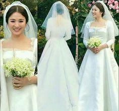 Wedding Dress Trends, Wedding Gowns, Spring Wedding, Dream Wedding, Autumn In My Heart, Headband Veil, Descendents Of The Sun, Pretty Songs, Songsong Couple