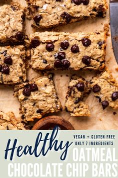These super chewy and sweet healthy oatmeal chocolate chip bars are just 7 ingredients, full of melty chocolate chips, and the perfect easy cookie bar recipe! Naturally vegan, eggless, dairy free, and refined sugar free, yet you'd never know it! Healthy Chocolate Desserts, Healthy Oatmeal Recipes, Healthy Dessert Recipes, Vegan Snacks, Vegan Desserts, Snack Recipes, Easy Vegan Cookies, Vegan Oatmeal Cookies, Oatmeal Cookie Bars