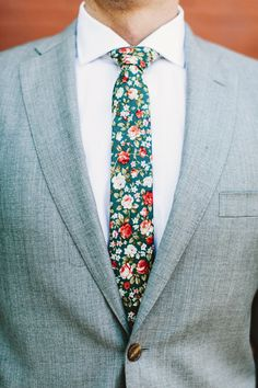 floral patterned tie - photo by Pat Furey http://ruffledblog.com/modern-chic-501-union-wedding