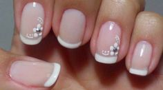 Unhas decoradas delicadas e simples de fazer nails in 2019 ногти, идеи для French Nails, Cute Nails, Pretty Nails, Hair And Nails, My Nails, Nagellack Trends, Short Nails Art, Flower Nails, Nail Arts