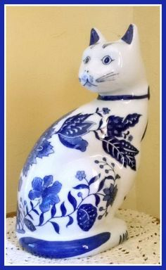 Vintage Blue and White Large Ceramic Cat Figurine By Formalities By Baum Blue And White China, Blue China, Staffordshire Dog, Curious Cat, Cat Decor, Blue Dream, Vintage Cat, Vintage Ceramic, Sculpture