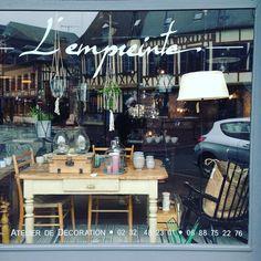 Vitrines #boutique #vitrine #ambiance #window #nouveautés #brocante #newcollection #spring #paques #decoration #lempreinte #lyonslaforet #normandie #weekend by lempreintedeco