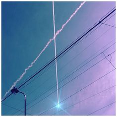 #skyporn #jj_skylove #contrail #spacetravel  #rsa_minimal #loves_minimal #mo_minimalobsession #minimalhunter #killerminimal #instaminim #minimal #mnml #minimalove #minimalism #minimalobsession #minimalist #mindtheminimal #wow_minimal #minimalmood #minimal_graphy #jj_minimal #jj_oregon #portlandnw #pdx #igportland #instapdx #portland #nolamppostleftbehind by mikemonis