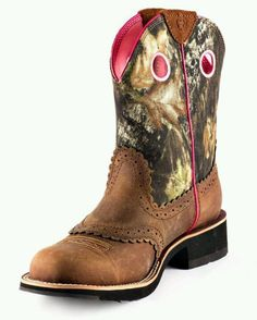 Ariat boots, definitely want these!
