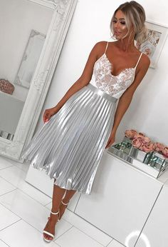 Shop women's skirts at Pink Boutique - from midi skirts to mini skirts, get your ladies' skirts just a click away! Metallic Pleated Skirt, Satin Skirt, Pleated Midi Skirt, Metallic Dress, Swing Rock, Corset Style Tops, Long Skirt Outfits, Modest Outfits, Sexy Outfits
