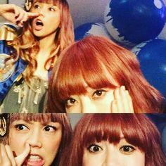 """Yumi Yoshimura & Ami Onuki : """"Bueno. Me pregunto si le pica la nariz. El lado derecho de la nariz"""". Ay, Ami! Desearía que le rascaras la nariz, como en el episodio """"Ayuda"""", de la serie de dibujitos, Hi Hi Puffy AmiYumi. Bueno. En fin. Saludos!!!   puffy_4ever"""
