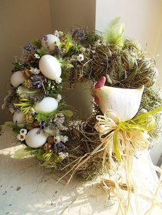 Door Crafts, Wreath Crafts, Easter Art, Easter Crafts, Easter Wreaths, Christmas Wreaths, Ester Decoration, Easter Parade, Spring Crafts