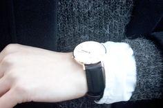 Watch This. Winterzeit – Zeit für viele Vitamine und eine neue Uhr! Ich habe mich auf meinen liebsten Online-Shopping-Seiten herumgetrieben, habe fleißig gestöbert und bin doch immer wieder zu dem gleichen Schluss gekommen: Meine neue Uhr muss von Daniel Wellington sein!...