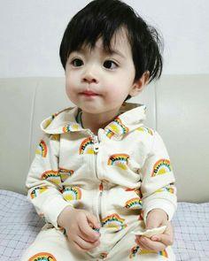 """""""Sono ah lu""""- y/n """"Ih ngusir cogan"""" -jisung """"누구세요? Cute Baby Boy, Cute Little Baby, Little Babies, Cute Kids, Baby Kids, Kids Girls, Cute Asian Babies, Korean Babies, Asian Kids"""