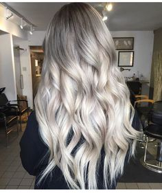 Blonde and dark brown hair color ideas. Top best Balayage hairstyles for natural black and brown hair. Balayage hair color ideas with blonde, brown, caramel. Top Balayage hairstyles to completely new look. Balayage Hair Blonde, Ombre Hair, Blonde Highlights, Ashy Blonde, Blonde Ombre, Blonde Layered Hair, White Blonde Hair, Grey Hair, Granny Look